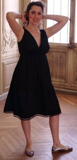 la robe elose avec sa popeline de coton son dcollet plongeant et sa dentelle lourlet elle peut tout fait convenir un mariage - Robe D Allaitement Pour Mariage