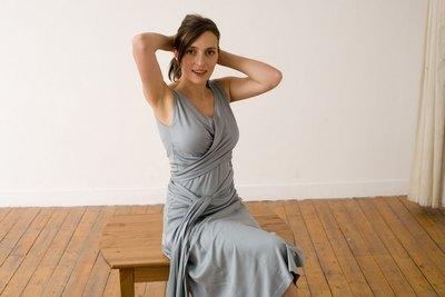 surtout ne pas mettre de veste sur cette robe un bolro ou cache paule un peu mieux quun bolro car moins couvrant est une bonne solution - Robe D Allaitement Pour Mariage